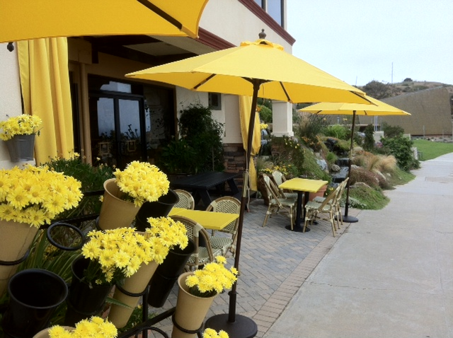Yellow Yellow Everywhere At The Yellow Vase Restaurant In Rancho