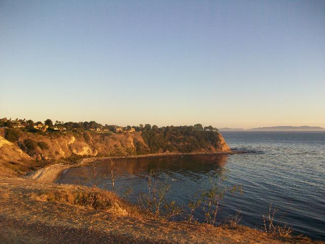 Lunada Bay - Walking trails on the bluffs of Palos Verdes Estates