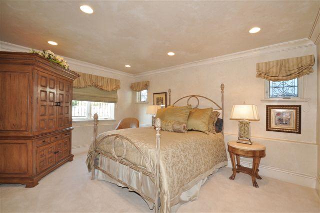 33 Bedroom 3