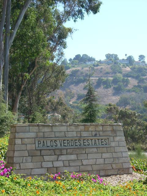 Palos Verdes Estates sign in Valmonte