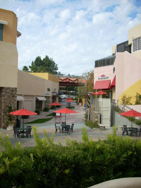 Peninsula Mall in Palos Verdes