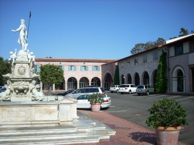 Statue in Malaga Plaza