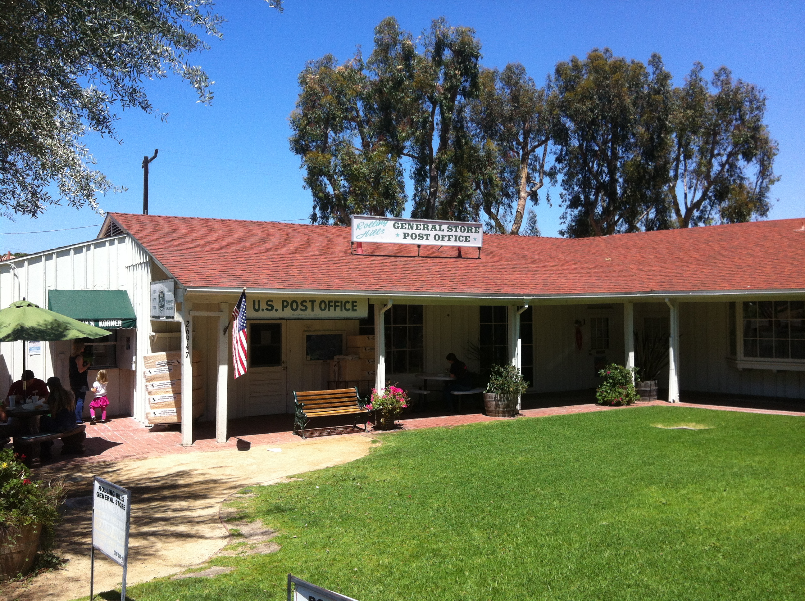 The Rolling Hills General Store in Palos Verdes CA - 2013