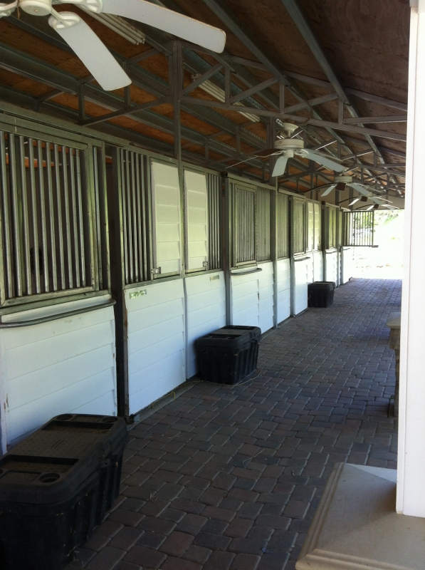 Private stables in Palos Verdes with in/out access
