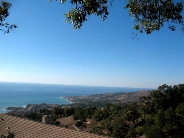 View in Rolling Hills, CA