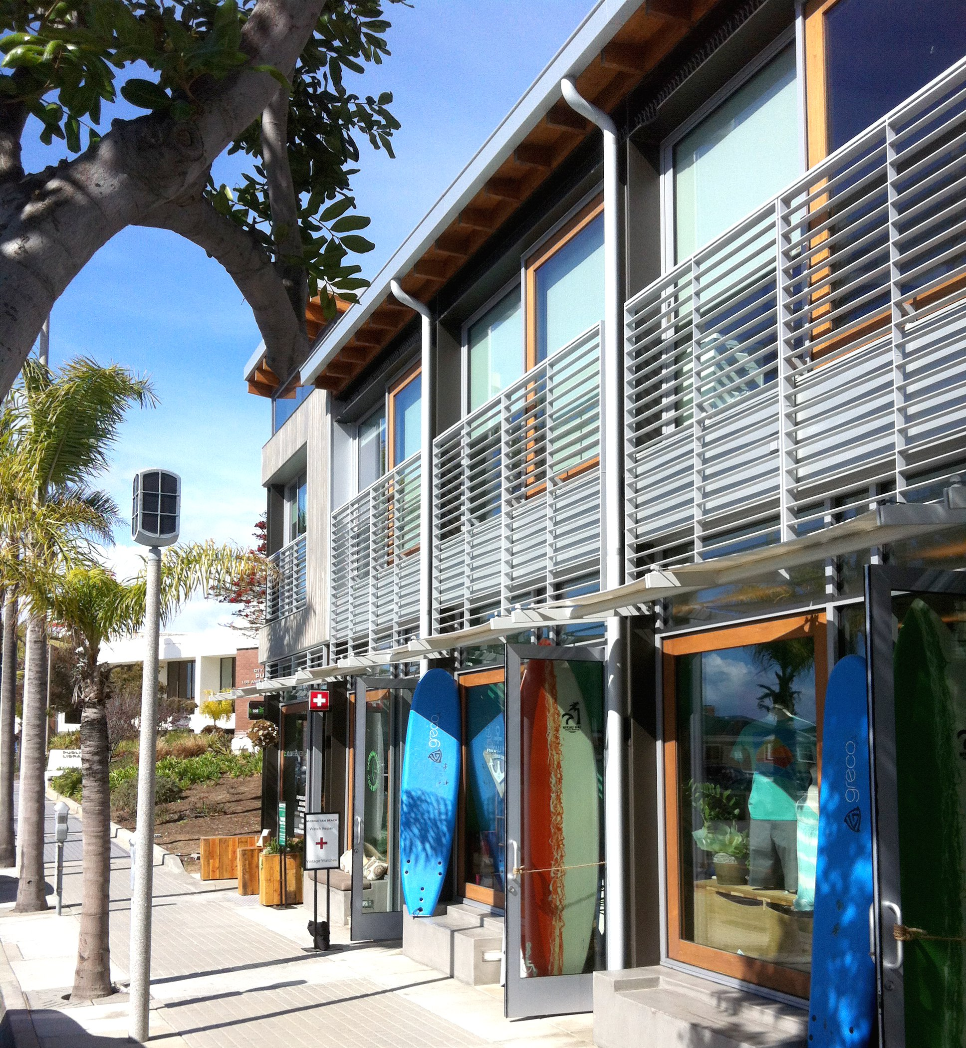 Manhattan Beach Shopping and Surfboards
