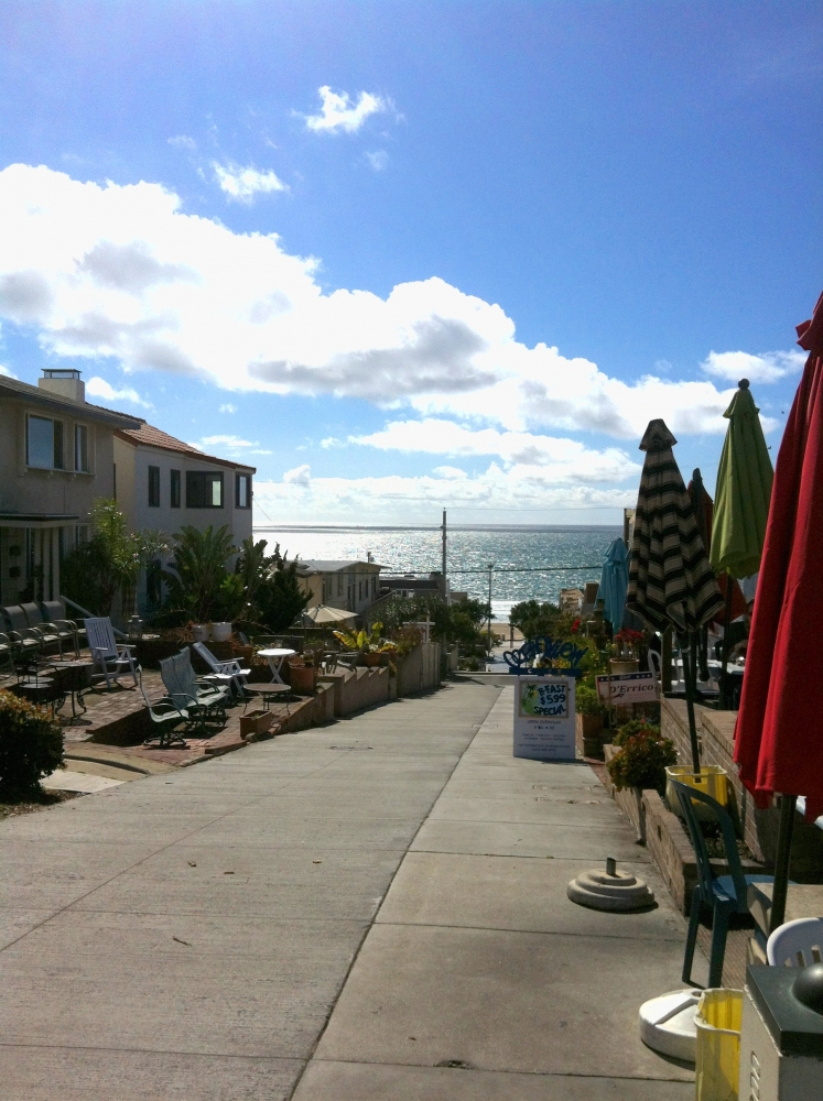 Manhattan Beach CA - The famous walk streets