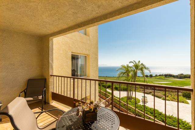 3200 La Rotonda Dr unit 211 Rancho Palos Verdes CA 90275 - Catalina island view