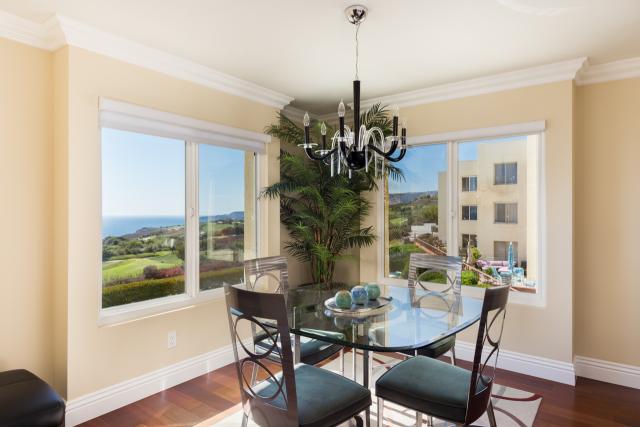 3200 La Rotonda Dr unit 211 Rancho Palos Verdes CA 90275 - Dining room with view