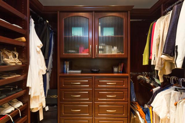 3200 La Rotonda Dr unit 211 Rancho Palos Verdes CA 90275 - Master suite closet
