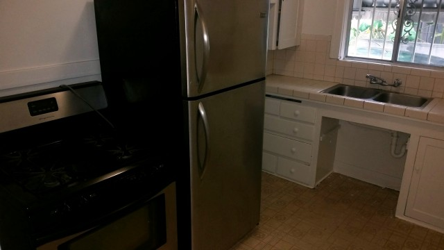 1111 Ravenna Ave Wilmington - Kitchen
